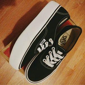 """PRICE FIRM """"Authentic"""" Vans Platform Sneaker"""